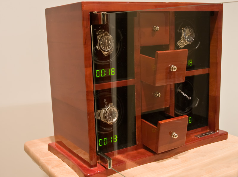 I was pretty impressed with the watch holders on the Rotolution. Iu0027ve tested cheap winders where the watchers were not held securely on the winding head ... & A Review of the Rotolution Quad Watch Winder